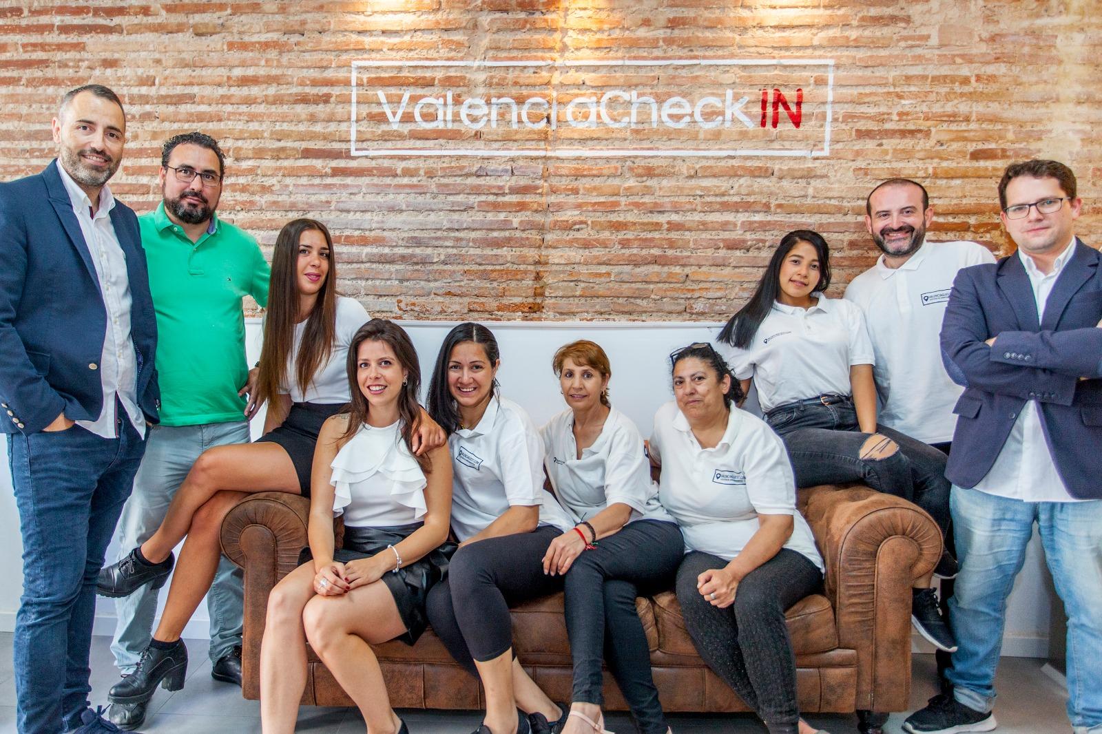 Equipo de Valencia Guest. Gestión de alquiler de apartamentos turisticos